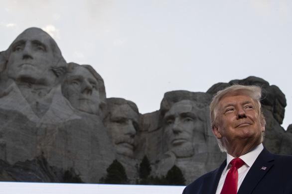 2020 - năm đáng quên với ông Trump - Ảnh 4.