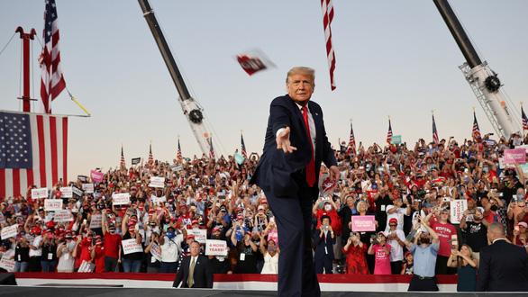 2020 - năm đáng quên với ông Trump - Ảnh 7.