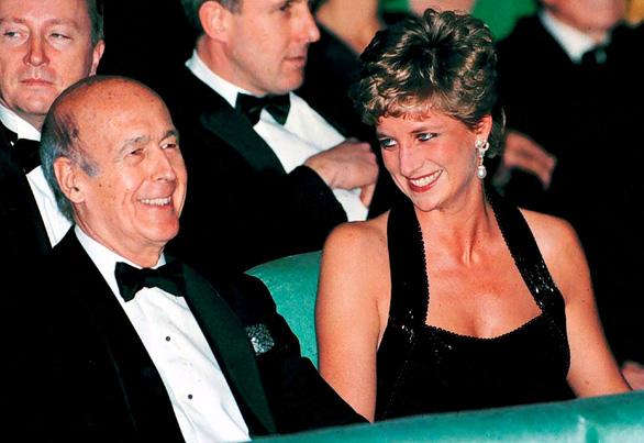 Cựu tổng thống Pháp Valery Giscard d'Estaing qua đời vì COVID-19 - Ảnh 2.