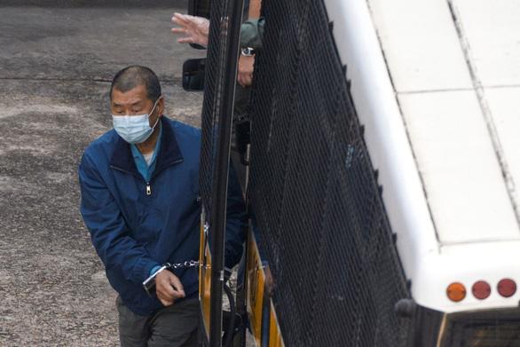 Giam giữ trùm truyền thông Hong Kong Jimmy Lai - Ảnh 1.