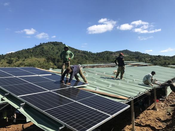 Điện mặt trời áp mái nông nghiệp: Vẽ dự án để hưởng ưu đãi? - Ảnh 1.