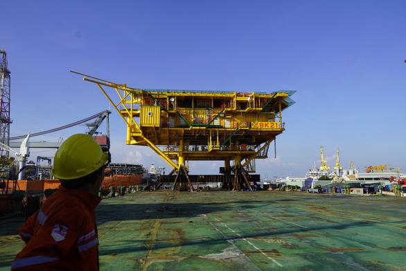 Vietsovpetro chủ động chế tạo, đóng giàn dầu khí trong đại dịch COVID-19 - Ảnh 3.
