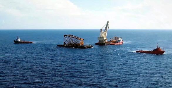 Vietsovpetro chủ động chế tạo, đóng giàn dầu khí trong đại dịch COVID-19 - Ảnh 2.