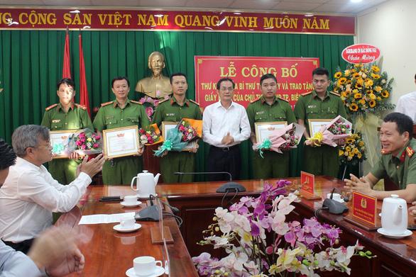 Khen thưởng lực lượng công an phá vụ cướp ngân hàng Agribank Đồng Nai - Ảnh 1.