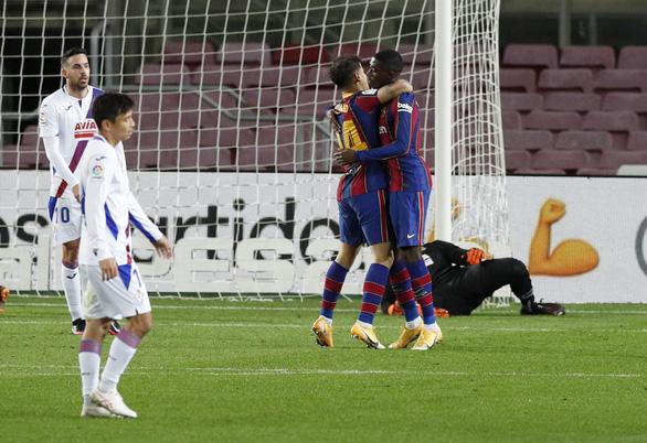 Vắng Messi, Barcelona hòa thất vọng trước Eibar - Ảnh 3.