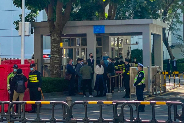 Bất chấp Mỹ can thiệp, tòa Trung Quốc tuyên án tù với 10 người trốn khỏi Hong Kong - Ảnh 2.