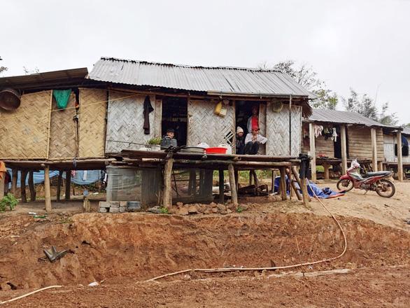 Coteccons khởi công xây dựng và sửa chữa nhà cho người dân sau bão lũ - Ảnh 1.
