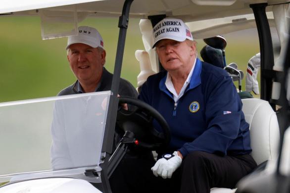 آقای ترامپ شب سال نو را در فلوریدا ترک کرد و به زودی به واشنگتن بازگشت - عکس 1.