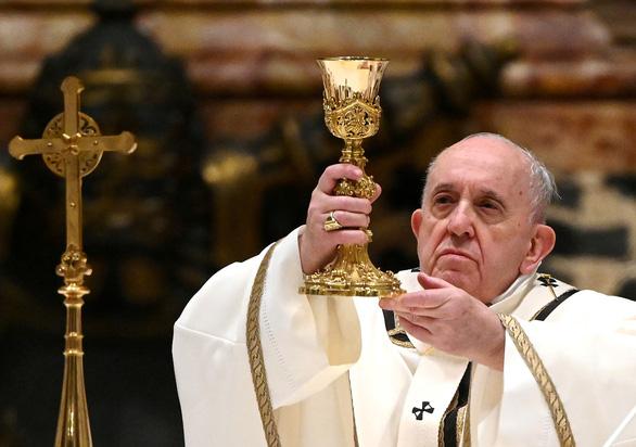 Giáo hoàng Francis không thể chủ trì lễ đêm giao thừa và đầu năm mới 2021 - Ảnh 1.
