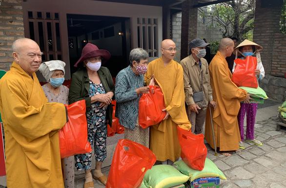 Cầu siêu cho 35 chiến sĩ gặp nạn ở Quảng Trị, Thừa Thiên Huế - Ảnh 3.