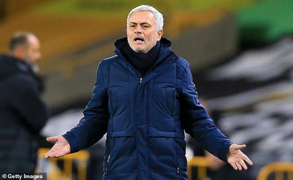 Thêm trận Tottenham - Fulham bị hoãn vì Covid-19 - Ảnh 1.