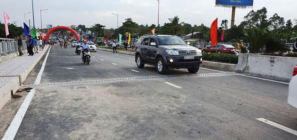 Thông xe cầu Quang Trung, giải tỏa ùn tắc khu trung tâm Cần Thơ - Ảnh 1.