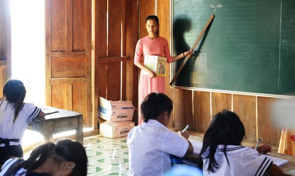 Giải bài toán thiếu gần 70.000 giáo viên - Ảnh 1.