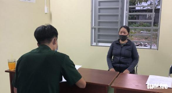 4 công dân Việt đi bộ tà tà từ Campuchia về nhập cảnh Việt Nam trái phép - Ảnh 2.