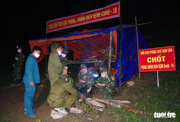Nghệ An, Hà Tĩnh siết chặt kiểm dịch COVID-19 ở biên giới - Ảnh 3.