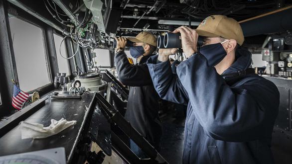NÓNG: 2 tàu khu trục Mỹ mang tên lửa dẫn đường cùng tiến vào eo biển Đài Loan - Ảnh 2.