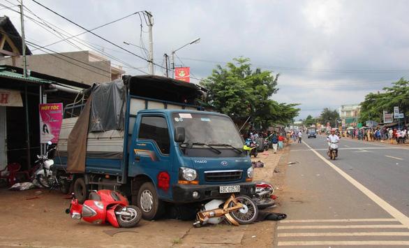 Truy tố tài xế chở quá tải gây tai nạn làm 6 người chết - Ảnh 1.