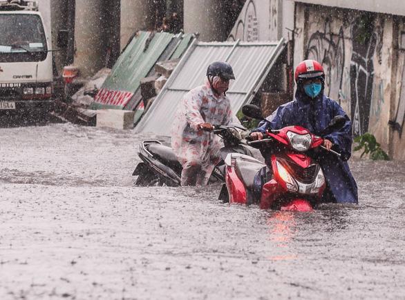 Nâng đường Nguyễn Hữu Cảnh: đã tính phương án không để dân thiệt - Ảnh 7.
