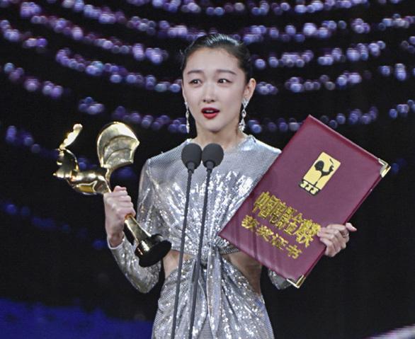 Em của thời niên thiếu - Phim dự Oscar gây tranh cãi của Châu Đông Vũ - Ảnh 6.