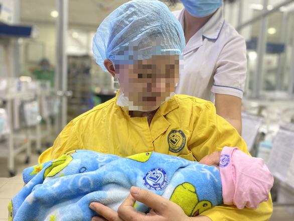 Ca phẫu thuật đặc biệt cứu thành công mẹ con thai phụ sau tai nạn giao thông - Ảnh 1.
