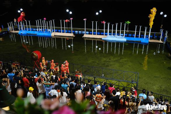 Du khách đặt tour đến Đà Nẵng tăng vào dịp Giáng sinh và năm mới 2021 - Ảnh 1.
