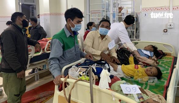 Hơn 150 người ở Gia Lai ngộ độc nghi do ăn xôi đoàn từ thiện - Ảnh 1.