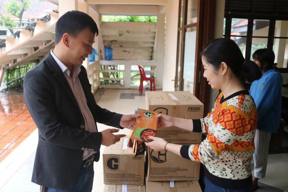 Tuổi Trẻ và Greenfeed Việt Nam mang thực phẩm sạch cho trẻ em tỉnh Thừa Thiên Huế - Ảnh 1.