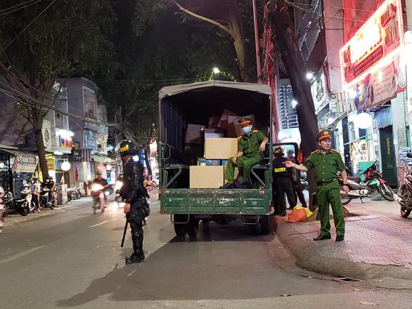 Vụ kiểm tra nhà thuốc lớn nhất Đồng Nai: Tạm giữ 220 thùng thuốc - Ảnh 3.