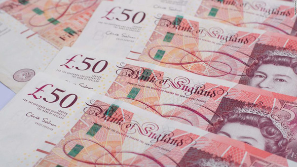 67 tỉ USD tiền mặt mất tích ở Anh - Ảnh 1.