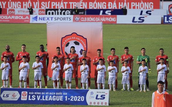 Bóng đá chuyên nghiệp Việt Nam: Nhiều CLB vẫn ăn bám Nhà nước - Ảnh 1.