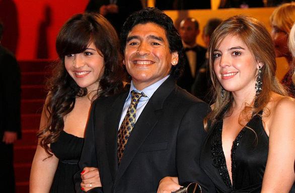Rối rắm cuộc chiến chia tài sản của Maradona - Ảnh 1.