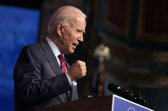 AP: Ông Biden chính thức đủ phiếu đại cử tri để trở thành tổng thống Mỹ - Ảnh 1.