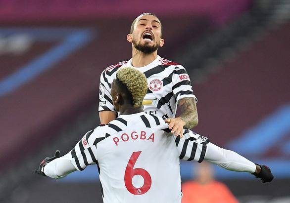 Bùng nổ trong hiệp 2, Man Utd thắng ngược ấn tượng West Ham