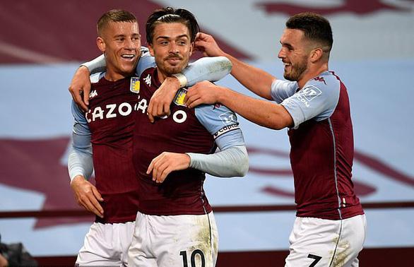 Điểm tin thể thao sáng 6-12: 2 tuyển thủ Anh tiệc tùng bất chấp lệnh giới nghiêm - Ảnh 1.