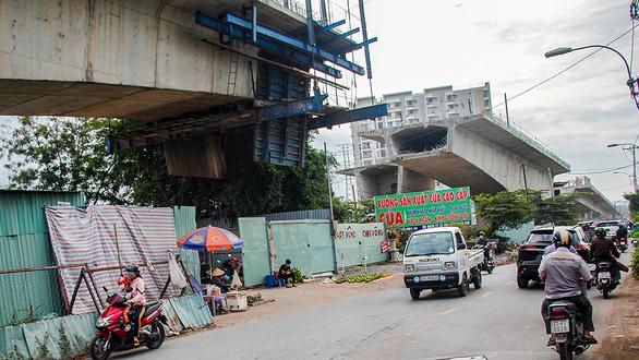Những công trình giao thông dân thấy mà... ghê  - Ảnh 4.