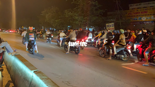 Hàng trăm 'quái xế' lại quậy 'đã đời' trên đường phố TP.HCM - Ảnh 6.