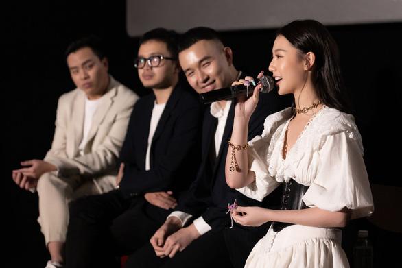Amee - nghệ sĩ mới xuất sắc tại Việt Nam vừa thắng giải MAMA nói gì về hát live? - Ảnh 3.