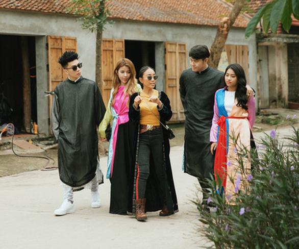 Đoan Trang, Bùi Anh Tuấn, Khả Như… mang đến những chuyến du lịch miễn phí - Ảnh 1.