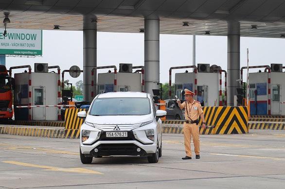 Phó thủ tướng gửi công điện yêu cầu bảo đảm an toàn giao thông, chống tội phạm dịp tết - Ảnh 1.