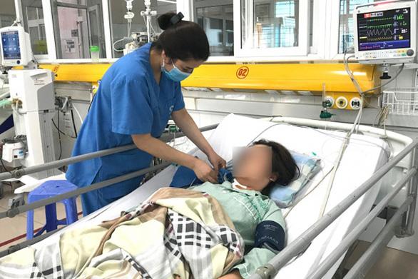 Một bệnh nhân nữ uống một lần 60 viên thuốc hạ huyết áp - Ảnh 1.