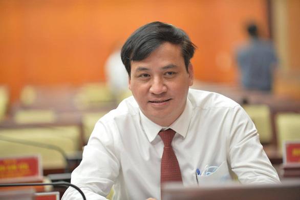 Giới thiệu bà Phan Thị Thắng và ông Lê Hòa Bình để bầu làm phó chủ tịch UBND TP.HCM - Ảnh 1.