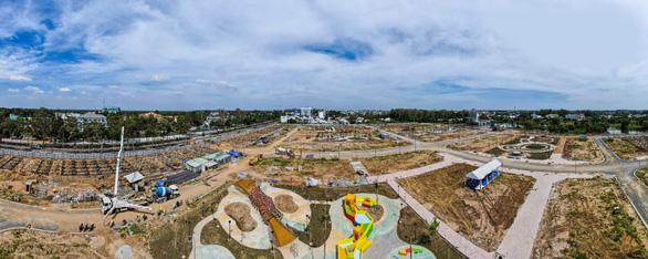 TNR Amaluna khánh thành Công viên Pha lê - Crystal Children Park - Ảnh 3.