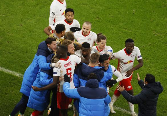 Man United bị Leipzig loại khỏi Champions League - Ảnh 1.
