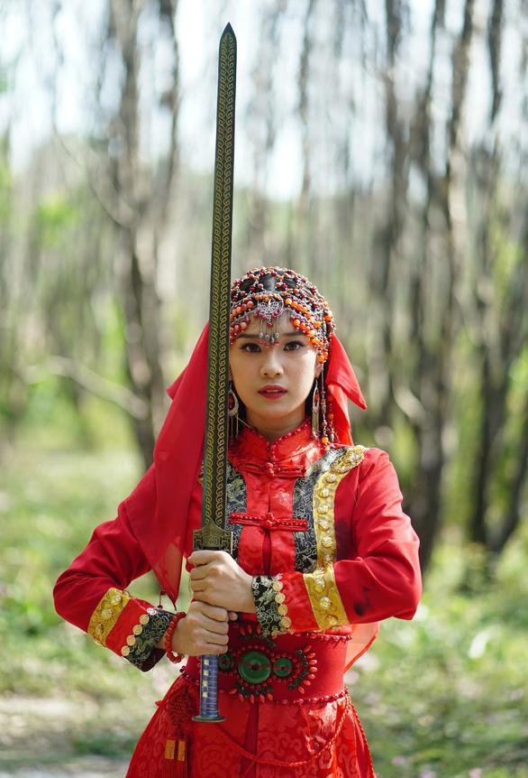 Hoàng Yến Chibi: 25 tuổi, sự nghiệp 10 năm và tình thương của mẹ - Ảnh 5.