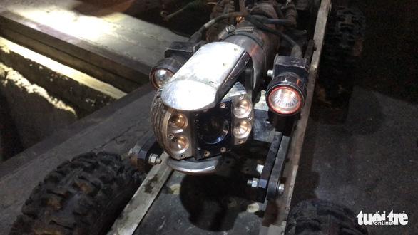 Cận cảnh robot khảo sát cống ngầm ở TP.HCM - Ảnh 1.