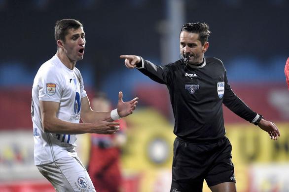 Điểm tin thể thao tối 9-12:  Trọng tài Coltescu kêu oan về việc hoãn trận PSG - Istanbul Basaksehi - Ảnh 1.