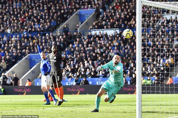 Chelsea và Leicester chia điểm sau màn rượt đuổi tỉ số hấp dẫn - Ảnh 2.