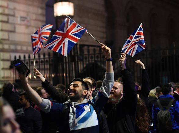 Nước Anh chính thức ra khỏi EU sau 47 năm gắn bó - Ảnh 1.