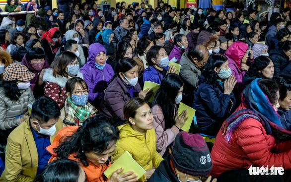 Giáo hội Phật giáo Việt Nam yêu cầu các chùa tạm dừng lễ hội, khóa tu - Ảnh 1.