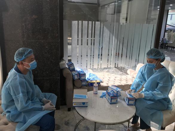 Đang phát miễn phí hàng trăm ngàn khẩu trang y tế tại TP.HCM, Hà Tĩnh - Ảnh 8.
